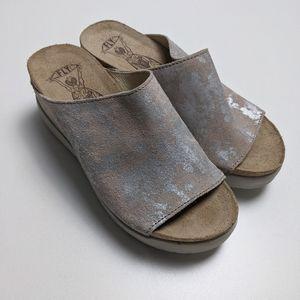 Wigg Fly London Slide Sandal Wedge Metallic